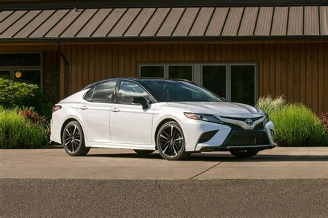 2018 Toyota Camry Se  Caliber Motor Leasing