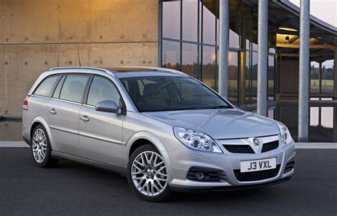 vauxhall vectra estate   review parkers