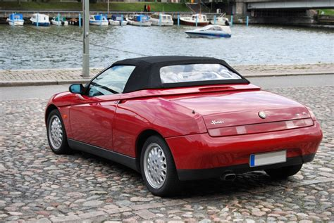 1997 Alfa Romeo Spider Photos, Informations, Articles