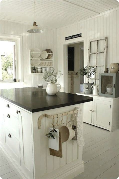 white interiors images  pinterest homes country homes  country houses