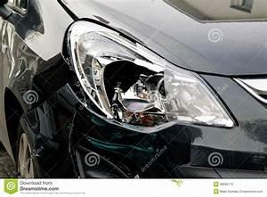 Phare Auto : phare cass sur une voiture noire photos stock image 38099173 ~ Gottalentnigeria.com Avis de Voitures