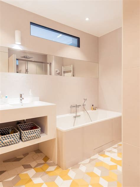 resinence salle de bain r 233 novation compl 232 te pour cet appartement typique haussmannien de 180m2 situ 233 dans la mythique