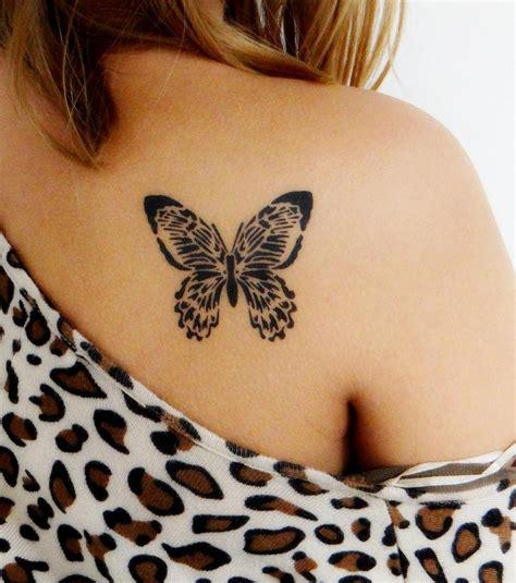 Photo  Tatouge, Papillon Noir, Omoplate