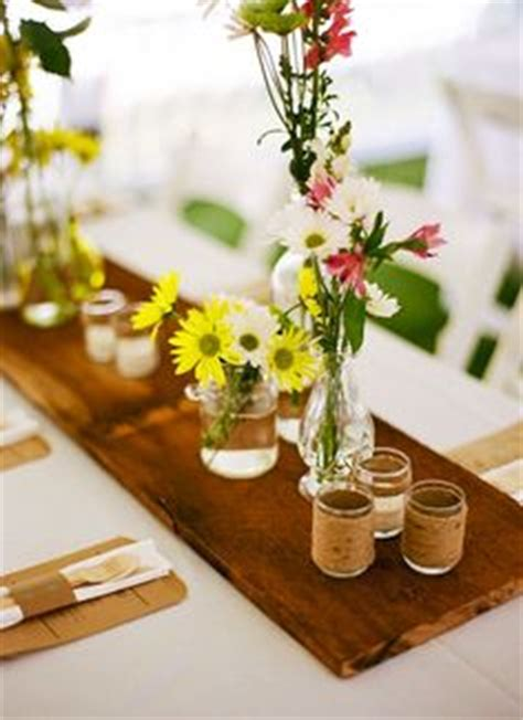 decor de table chetre 1000 images about weddings wooden table runners on