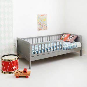 Lit Enfant 5 Ans : acheter un lit enfant 2 ans livraison rapide domicile ~ Teatrodelosmanantiales.com Idées de Décoration