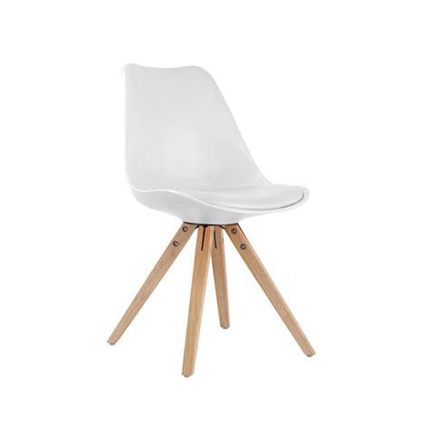 chaises en bois pas cher chaise blanche et bois pas cher idées de décoration