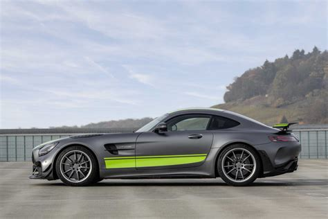 Amg gt r pro coupe. 2020 Mercedes-AMG GT R PRO (Images, price, performance and specs) - CarsMakers