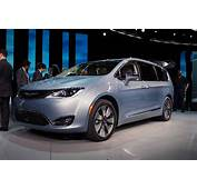 Town And Country Is Dead 2017 Chrysler Pacifica Reinvents