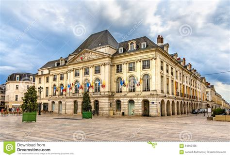 chambre du commerce nevers chambre de commerce du loiret in orleans stock photo