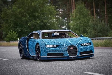 Here's our amazing 1:1 version of the iconic bugatti chiron. Life-Size Bugatti Chiron Made From Over 1 Million Lego Pieces - PolyTrendy