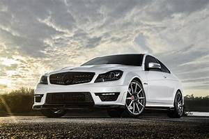 Mercedes Benz C63 HD Wallpapers