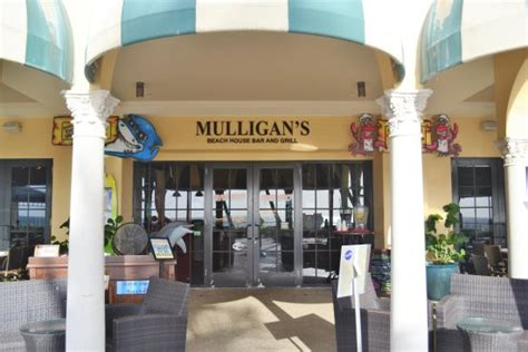 nice outdoor dining   beach review  mulligans