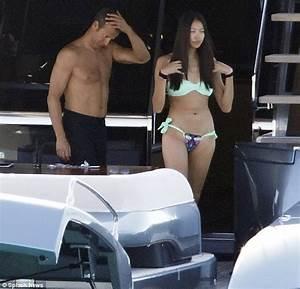 Naomi Campbell's billionaire ex Vladimir Doronin laps up ...