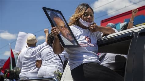 family members  people killed  police march
