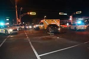 Ceder Une Voiture : collision entre une camionnette et une voiture victo la nouvelle union et l 39 avenir de l 39 rable ~ Gottalentnigeria.com Avis de Voitures