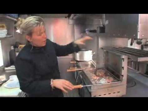 comment cuisiner des rognons de veau rognons de veau grillés au charbon de bois