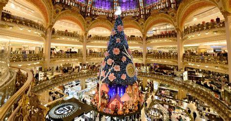 printemps si鑒e social galeries lafayette e printemps si vestono a festa ecco il natale 2013 a parigi