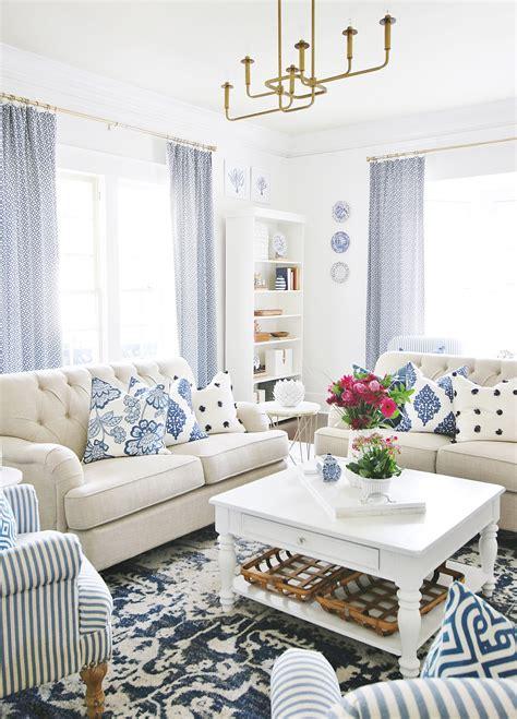 blue  white living room  extra sparkle