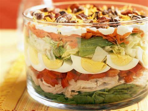rezept aus zutaten salat aus gemischten zutaten nach amerikanischer cobb