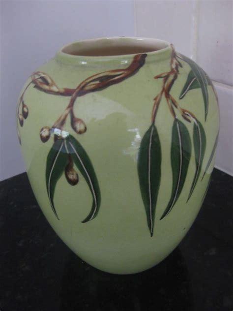 australian diana handpainted kookaburra vase australiana