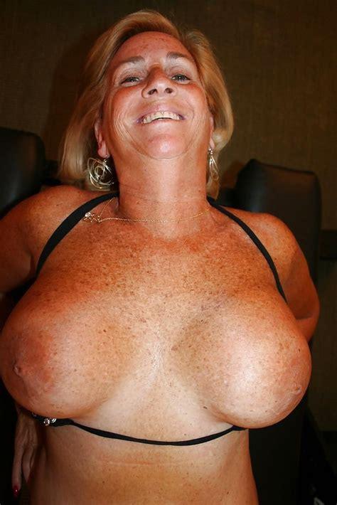 Sexy Busty Mature Milf Deborah 30 Immagini