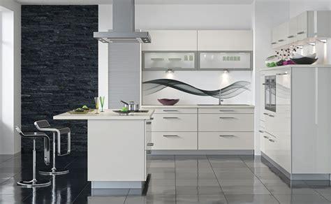 cuisines teisseire cuisine sealise blanc moderne et toute équipée par