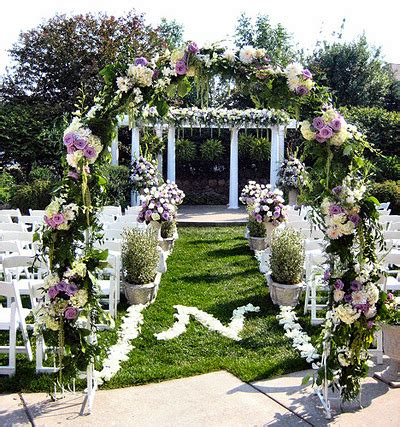 Outdoor Wedding Decorations by Wedding Arch Decorations Find Wedding Decorations Ideas