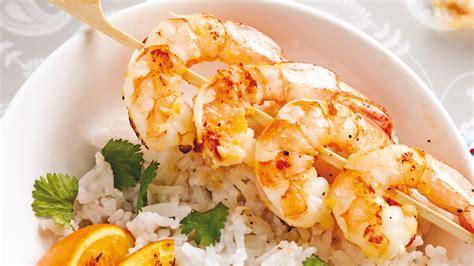 cuisine crevette brochettes de crevettes au grand marnier recettes cuisine et nutrition pratico pratique