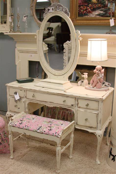 Shabby Chic Waschtisch by Best 25 Shabby Chic Vanity Ideas On Antique