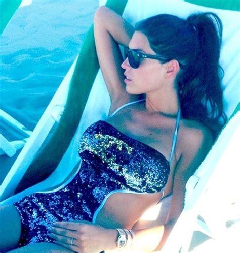 Yolanthe in sexy badpak op het strand   Celebrities ...