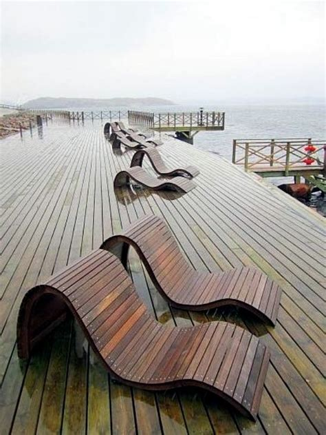 ultra modern lounge chair designs   wood