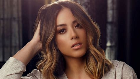 Emma Lou Celeb Wallpapers Chloe Bennet Breathtaking