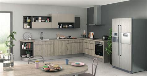 ccp cuisine peinture murale cuisine gris taupe avec decoration cuisine