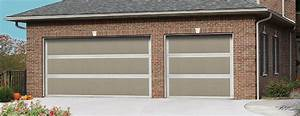 Carriage house garage doors for Carriage type garage doors