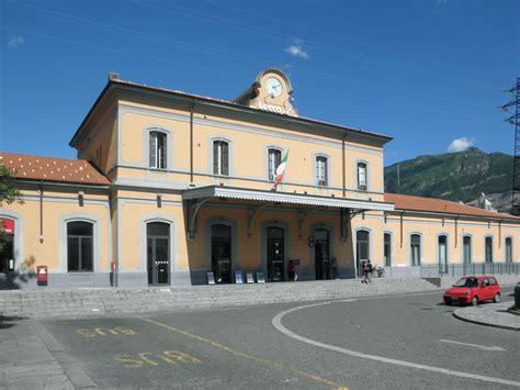 Treni Pavia Centrale by Stazione Di Lecco