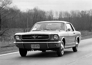 Ford Mustang 1964 : mustang vs camaro the ultimate american car rivalry digital trends ~ Medecine-chirurgie-esthetiques.com Avis de Voitures