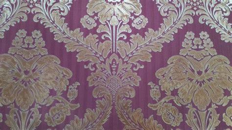 inilah wallpaper dinding nuansa ungu  unik