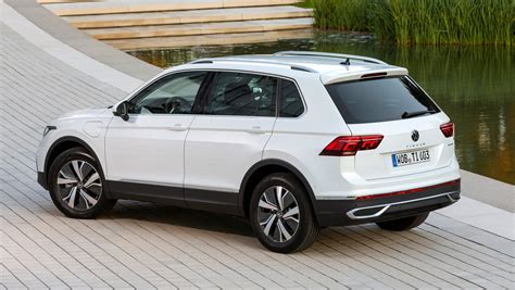 Only the kia sorento, mitsubishi outlander and dodge journey can say the same. 2021 Volkswagen Tiguan eHybrid review - Automotive Daily