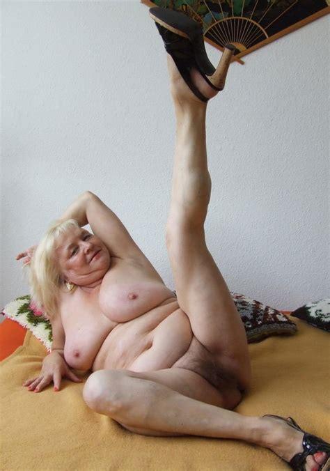 Sexy Spread Legged Granny Shows Pussy Mature Porn Pics