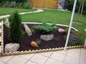 Paillage en pouzzolane et ecorces decoratives paillage for Decoration de bassin de jardin 1 paillage en pouzzolane et ecorces decoratives paillage