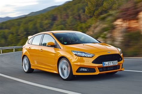 Ford Focus ST hatchback pictures   Carbuyer