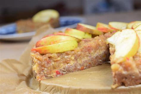 Wärmend, lecker und roh Apfelkuchen mit Zimt » Vegane