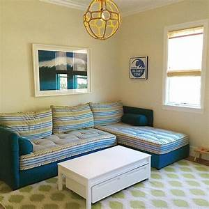 Best 25 two twin beds ideas on pinterest for How to put a sofa bed back together