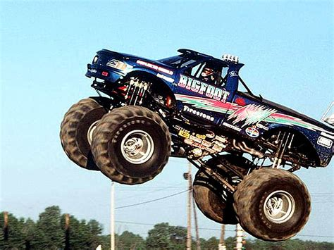 monster truck bigfoot video bigfoot monster truck wallpaper monster trucks