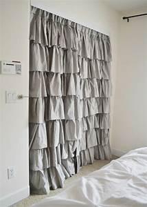 Rideau Pour Placard : dressing avec rideau 25 propositions pratiques et jolies ~ Teatrodelosmanantiales.com Idées de Décoration