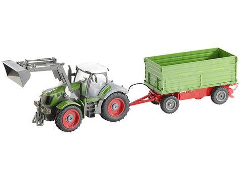 traktor mit anhänger playtastic funk ferngesteuerter traktor mit steuerbarem