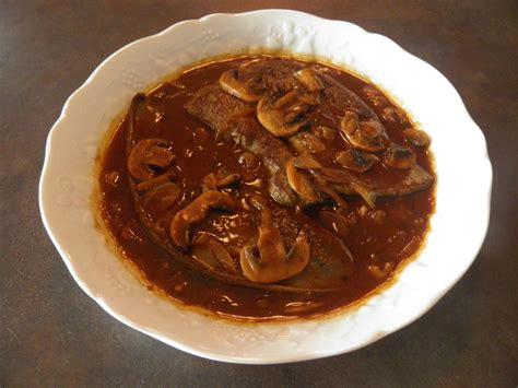 cuisiner le foie de boeuf foie de boeuf aux oignons et chignons les créations