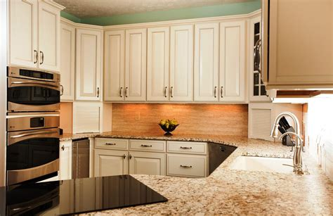 kitchen cabinet colors pictures nice popular kitchen cabinet colors 5 kitchen color ideas