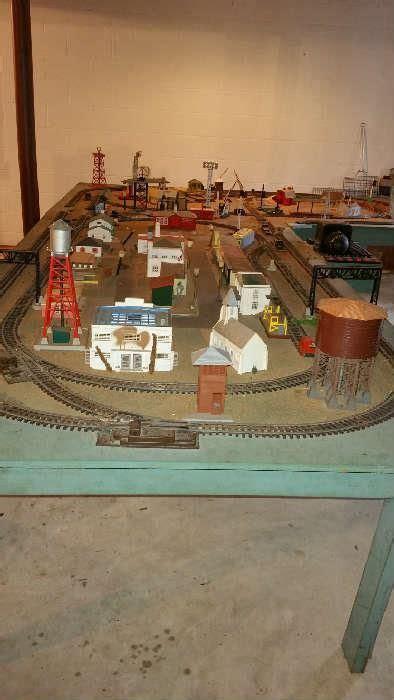 shaped layout photo  toy train layouts model train