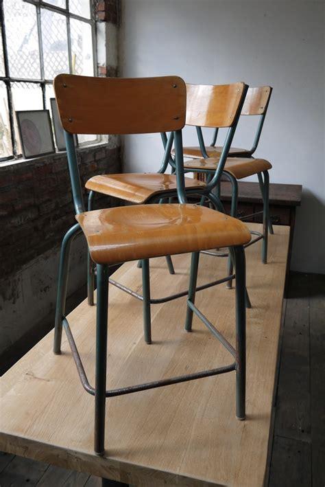 chaise d ecole 4 chaises bois metal chaises d 39 école chaises et vieille